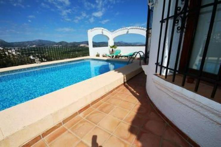 Bild 3: Villa mit Pool und einer sensationellen Aussicht auf die Berge am Monte Pego