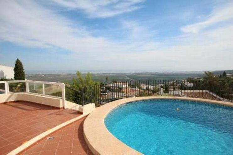 Bild 2: Sehr gepflegte Villa mit Pool und herrlicher Sicht auf das Meer in Monte Pego