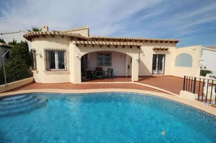 Sehr gepflegte Villa mit Pool und herrlicher Sicht auf das Meer in Monte Pego - Haus kaufen - Bild 1