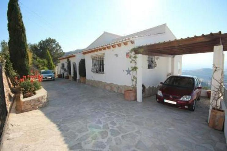 Bild 6: Moderne Villa in sonniger Aussichtslage mit Carport, Pool und BBQ