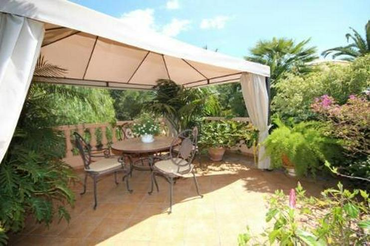 Bild 3: Villa mit Romantikzuschlag in ruhiger und sonniger Lage mit Pool, Garage und Meerblick