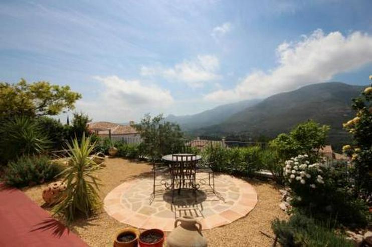 Bild 3: Schöne Villa in gepflegter Gemeinschaftsanlage inmitten des Bergidylls