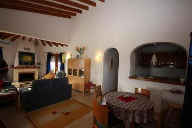 Gepflegte Villa mit Pool und schönem Fernblick in Monte Pego - Auslandsimmobilien - Bild 8