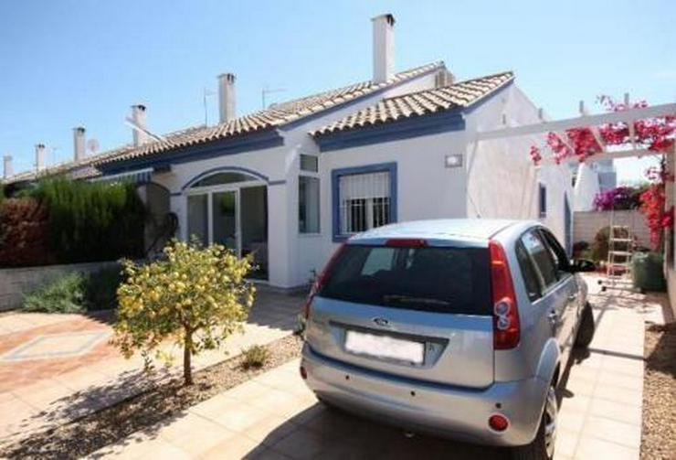 Schönes Reihenhaus nur 600m von den Stränden El Vergels entfernt - Haus kaufen - Bild 1