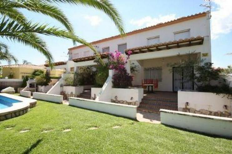Gepflegtes Endreihenhaus mit Gemeinschaftspool direkt am Golfplatz von Oliva Nova - Haus kaufen - Bild 1