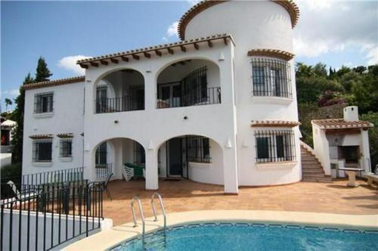 Äußerst großzügige und gepflegte Villa mit Meerblick am Monte Pego - Bild 1