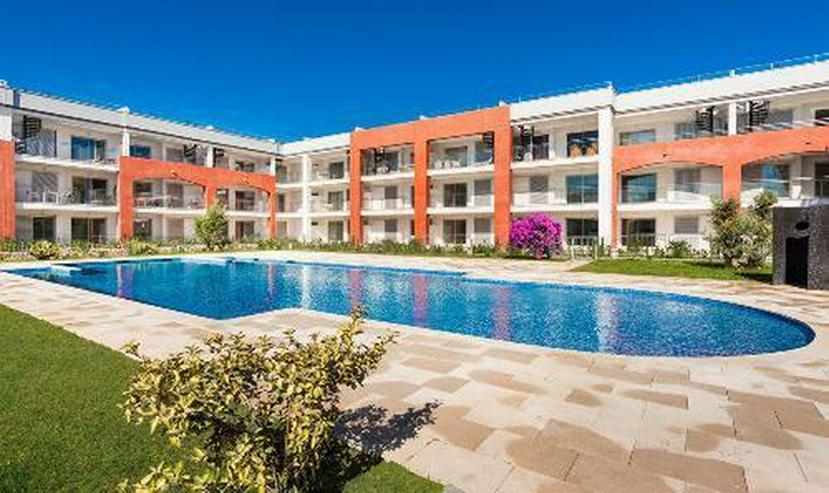 Bild 1: Wunderschöne Erdgeschoss-Appartements in einer Anlage in erster Linie am Strand