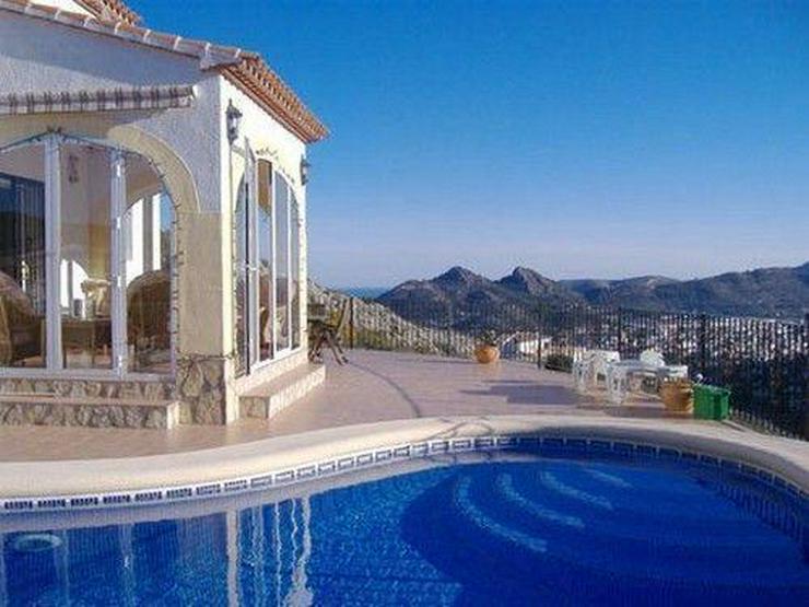 Wunderschöne Villa mit einer atemberaubenden Aussicht - Haus kaufen - Bild 1