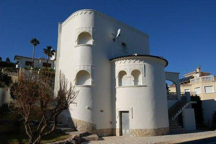Villa in arabischer Bauweise mit kleiner Einliegerwohnung