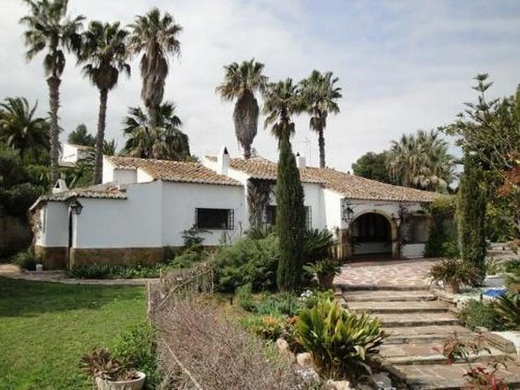 Wunderschöne Villa mit Pool und Tennisplatz - Haus kaufen - Bild 1