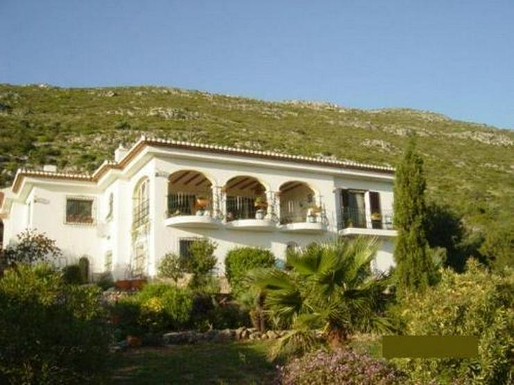 Bild 1: Finca-Anwesen mit phantastischem Panoramablick