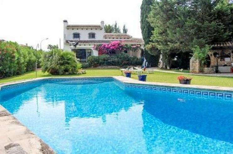 Bild 2: Wunderschöne Villa nach Entwurf eines Künstlers