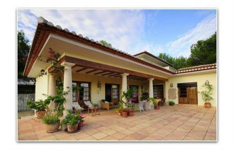 Bild 2: Stilvolles Landhaus mit Pferdezucht