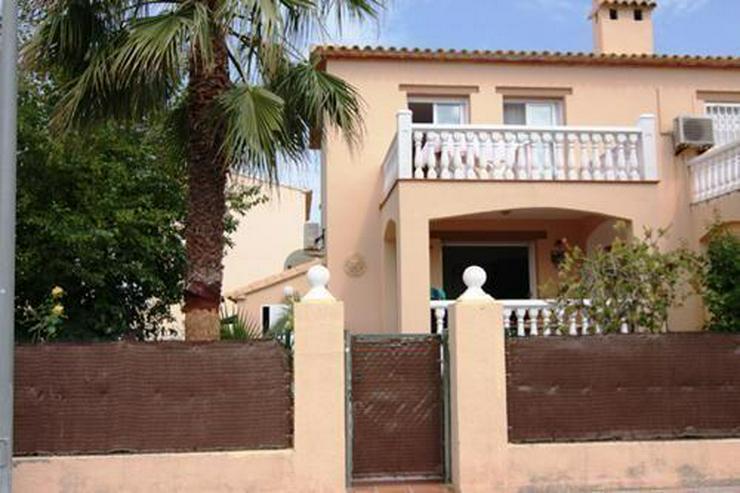 Doppelhaus-Hälfte in ruhiger Lage nahe dem kilometerlangen Sandstrand von Deveses - Haus kaufen - Bild 1