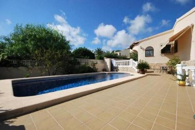Bild 2: Villa mit Pool, Garage und Meerblick nähe zur Innenstadt Morairas gelegen