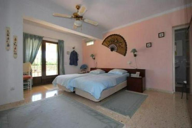 Bild 6: Villa mit Pool, Garage und Meerblick nähe zur Innenstadt Morairas gelegen