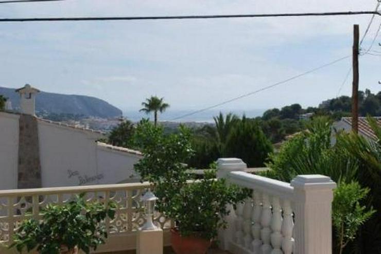 Bild 3: Villa mit Pool, Garage und Meerblick nähe zur Innenstadt Morairas gelegen