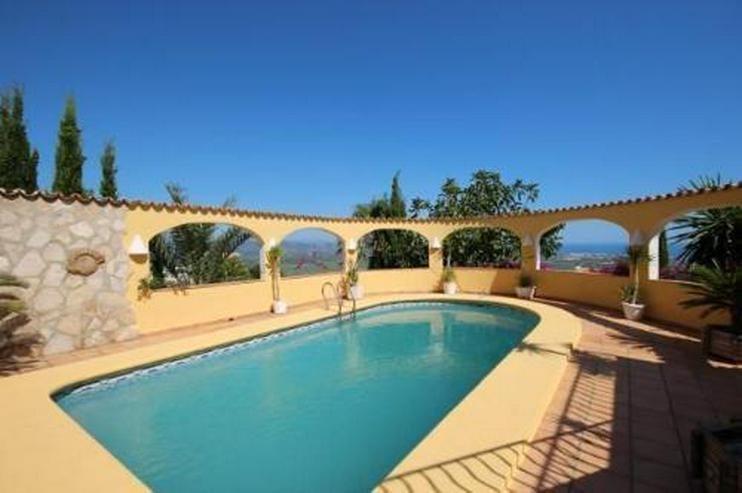 Bild 2: Großzügige Villa am Monte Pego mit Panoramablick auf Meer, Berge und die Reisfelder
