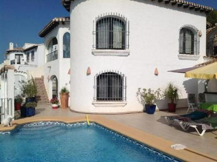 Schöne Villa mit Pool und herrlicher Aussicht auf das Meer auf dem Monte Pego - Bild 1