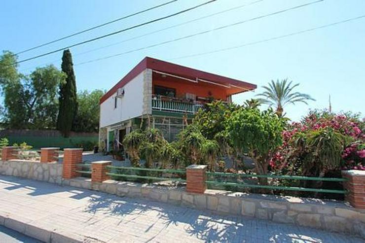 Bild 5: Renovierungsbedürftige Villa nur 800 m vom Strand