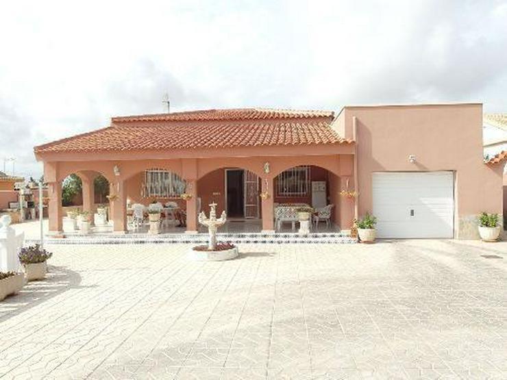 Bild 2: Wunderschöne Villa mit Pool, Garage und Gästehaus