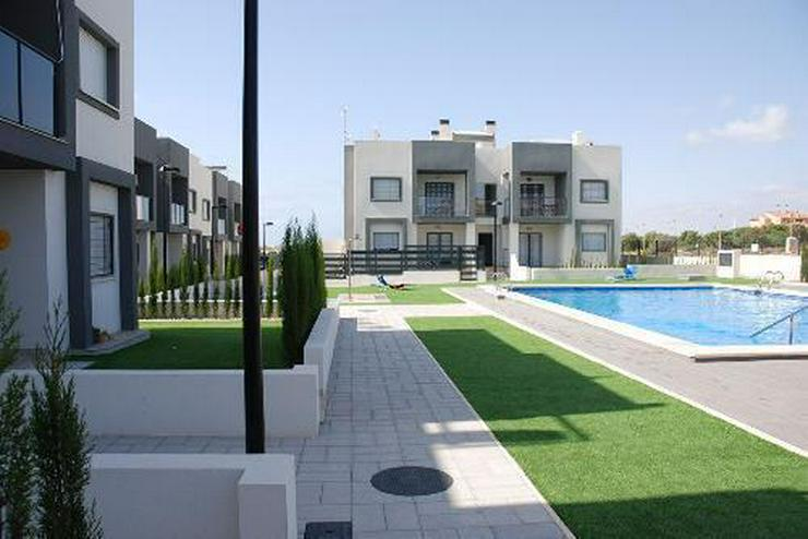 Moderne Erdgeschoss-Wohnungen nur 600 m vom Strand