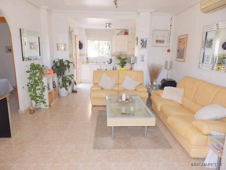 Bild 3: Erdgeschoss-Wohnung mit Gemeinschaftspool in Strandnähe