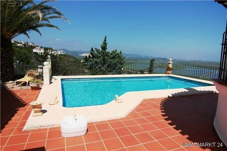 Bild 2: Villa am Monte Pego mit schönem Meerblick und großem Grundstück