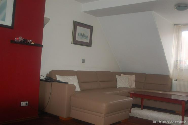 Bild 2: Schöne 3 Zimmer Maisonette-Wohnung in zentraler Lage * Balkon * Carport * Aufzug *