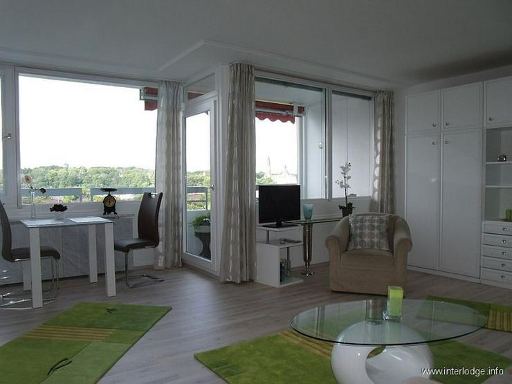 Bild 2: INTERLODGE Über den Dächern von Essen: Mod. möbl. Apartment im 10. OG eines gepflegten ...