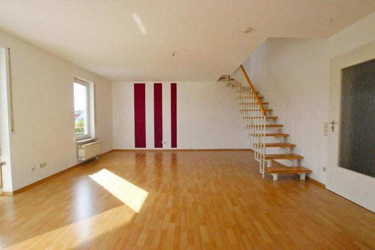 Bild 3: Frei ab sofort! Zentrale Maisonette-Wohnung mit Dachterrasse, 2 Balkonen, TG-Stellplatz - ...