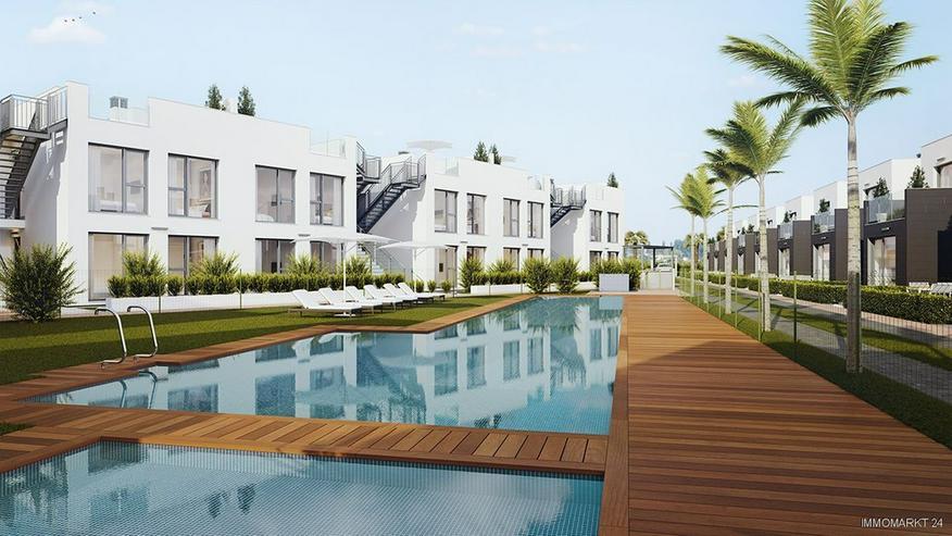 Bild 2: Komfortable Erdgeschoss-Wohnungen mit Gemeinschaftspool