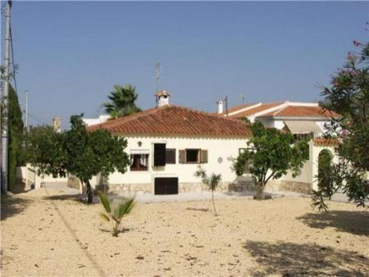 Bild 2: Kleine Landhaus-Villa am Rande von Orba