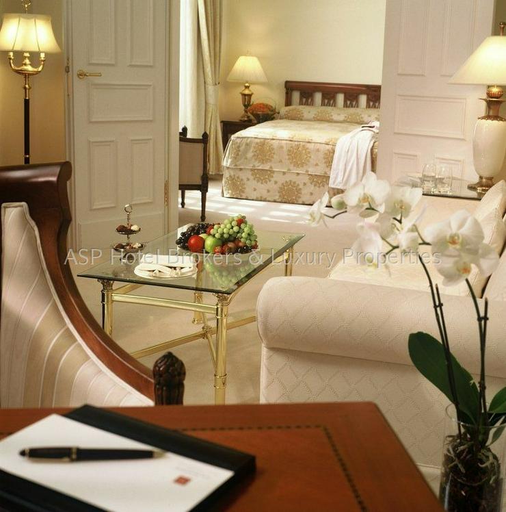 Bild 5: Luxuriöses renoviertes 4-Sterne-Superior Schlosshotel in der Eiffel zu kaufen