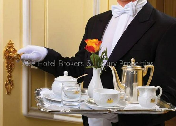 Bild 2: Luxuriöses renoviertes 4-Sterne-Superior Schlosshotel in der Eiffel zu kaufen