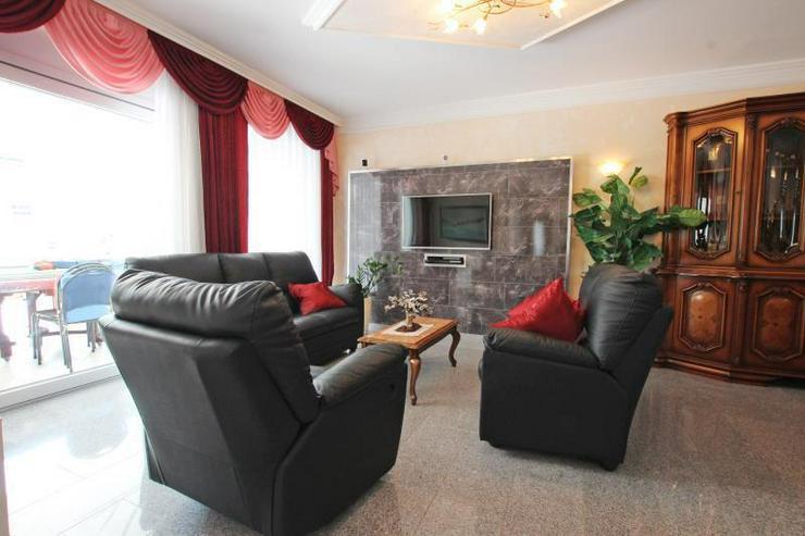 Bild 2: Für höchste Ansprüche - Designer-EG-Wohnung mit großzügiger Terrasse in begehrter Lag...