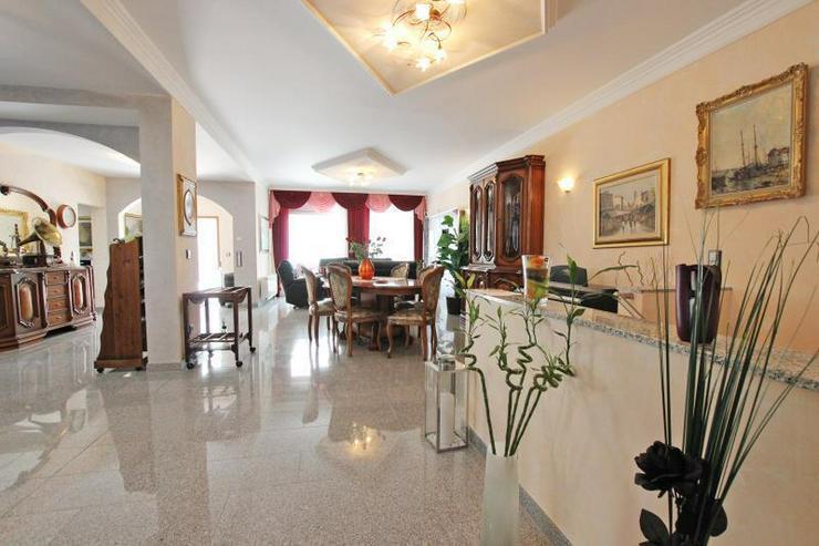 Bild 4: Für höchste Ansprüche - Designer-EG-Wohnung mit großzügiger Terrasse in begehrter Lag...