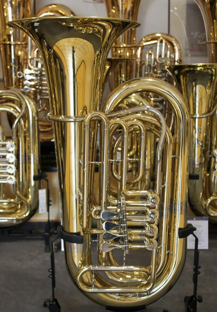 Bild 2: Besson BBb - Tuba mit 4 Zylinder - Drehventilen