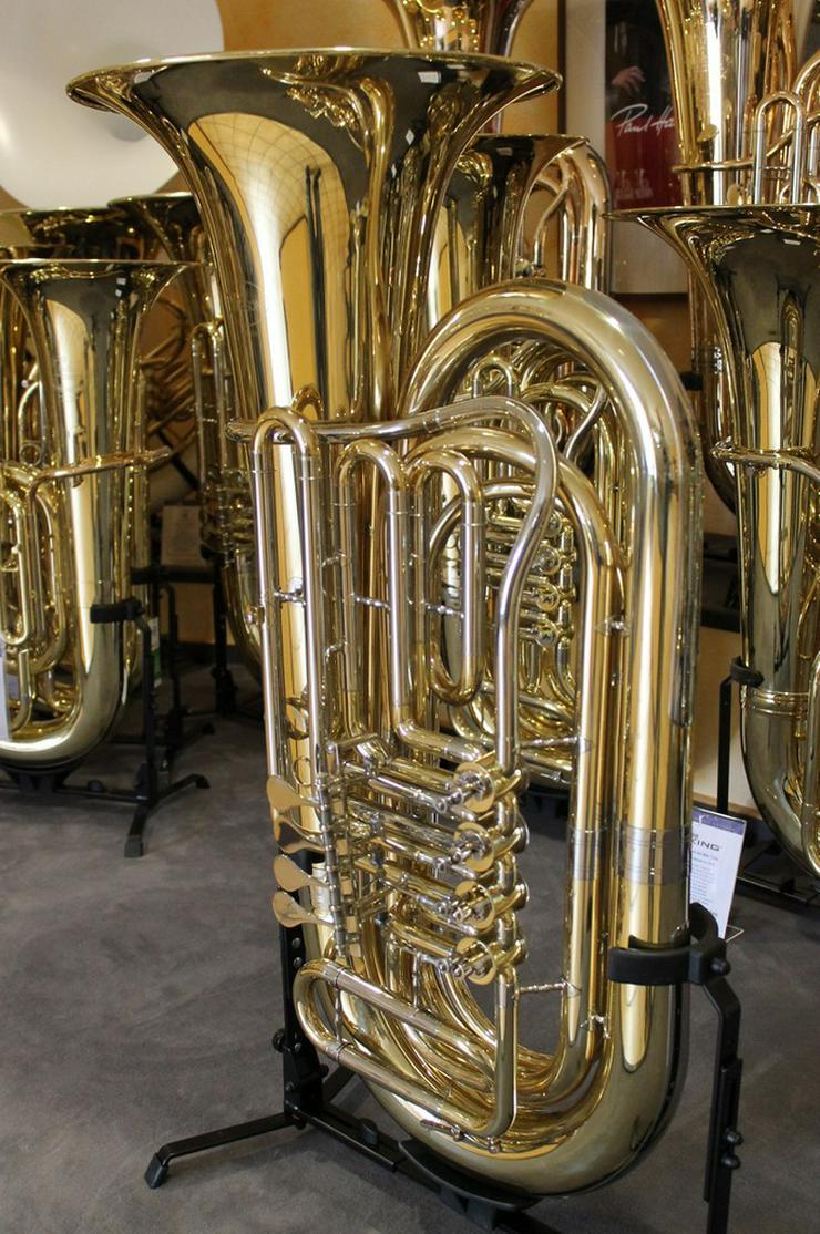 Bild 4: Besson BBb - Tuba mit 4 Zylinder - Drehventilen