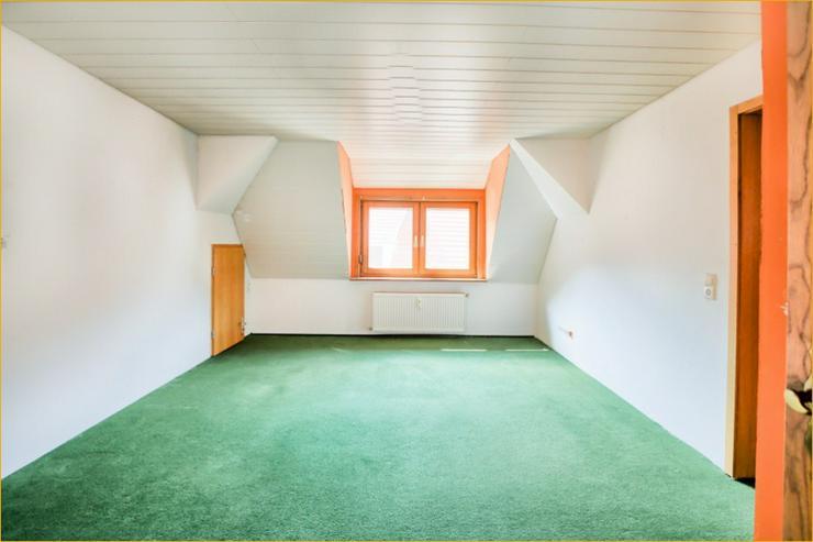 Bild 3: Großzügige 7 Zimmerwohnung auf zwei Ebenen im Herzen von Bad Urach