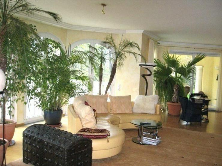 Bild 2: Märchenhafte Villa in sonniger Südhanglage mit Fernsicht