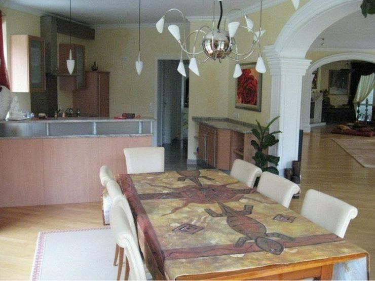 Bild 6: Märchenhafte Villa in sonniger Südhanglage mit Fernsicht