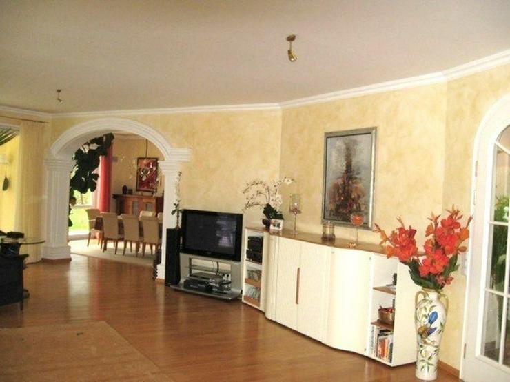 Bild 5: Märchenhafte Villa in sonniger Südhanglage mit Fernsicht