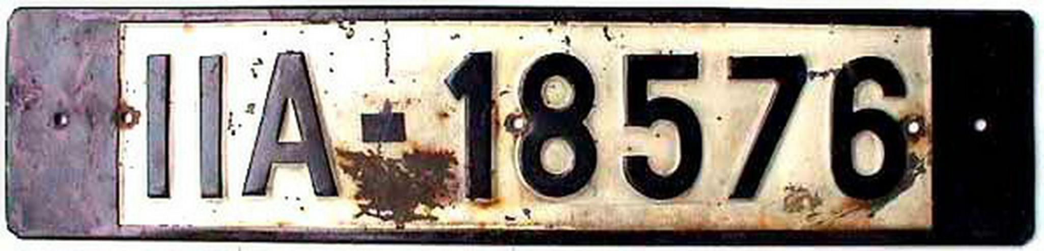 Bild 3: Sammler sucht Autokennzeichen vor 1945 schwarz