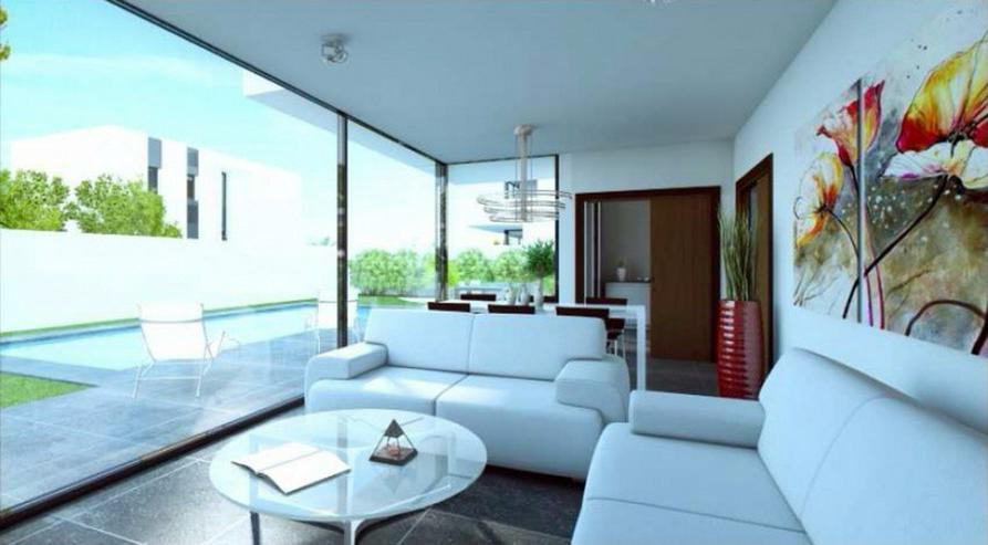Bild 3: **Lebe deinen Traum** GRUNDSTUECK IN SAN JOAN, z.B. 143,5 m² Einfamilienhaus mit Pool