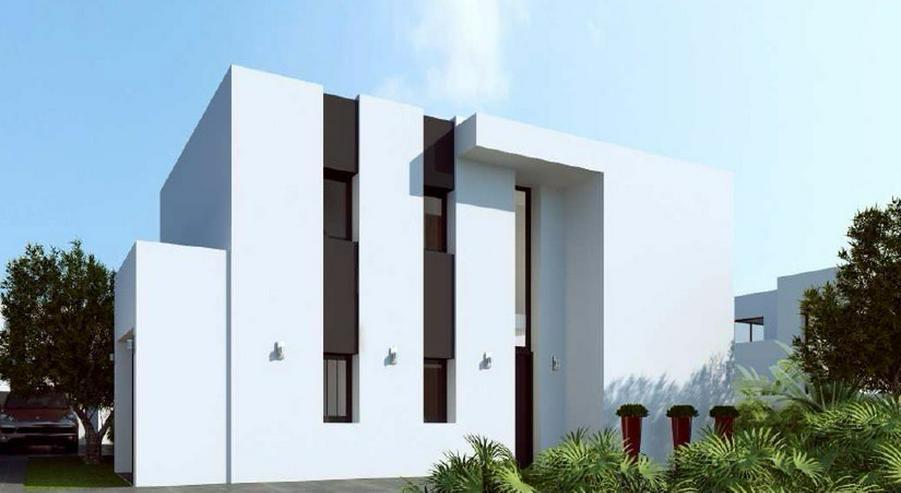 Bild 2: **Lebe deinen Traum** GRUNDSTUECK IN SAN JOAN, z.B. 143,5 m² Einfamilienhaus mit Pool