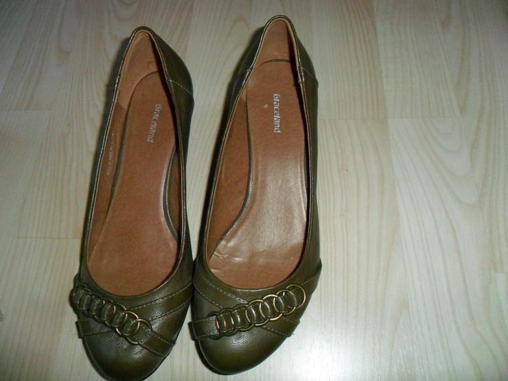 Bild 2: High Heels ,Stiefel,Sportschuhe