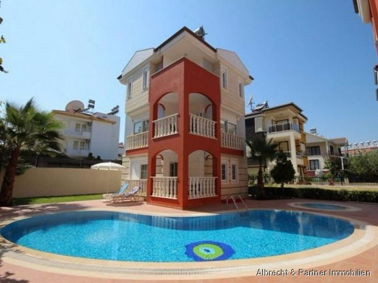 Villa zu verkaufen - so gut wie neu und voll möbliert - Haus kaufen - Bild 1
