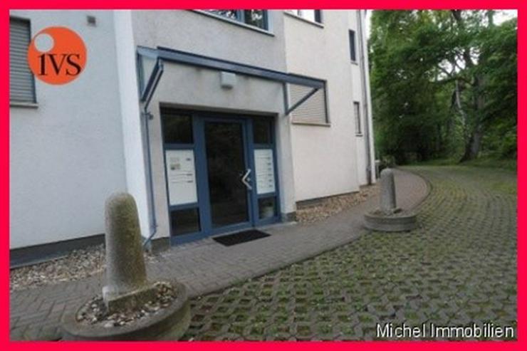 ** Lichtdurchflutet ** Schönes 2 Zi. Büro in Friedrichsdorf, 1 Kfz Stellplatz inklusive ... - Gewerbeimmobilie kaufen - Bild 1