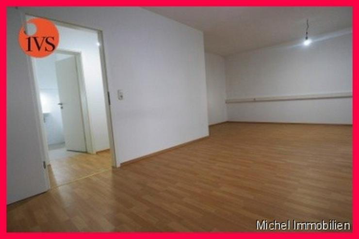 Bild 6: ** Lichtdurchflutet ** Schönes 2 Zi. Büro in Friedrichsdorf, 1 Kfz Stellplatz inklusive ...